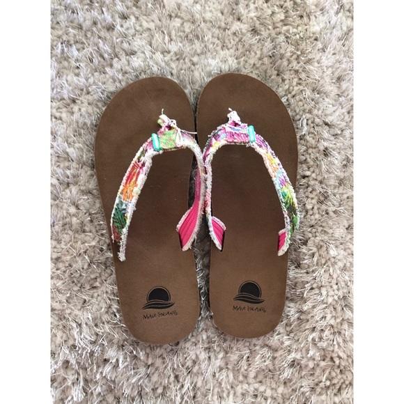 9da7834e04ec3 Maui Islands Shoes - Maui Islands Fabric Flip Flop Sandals Size 10